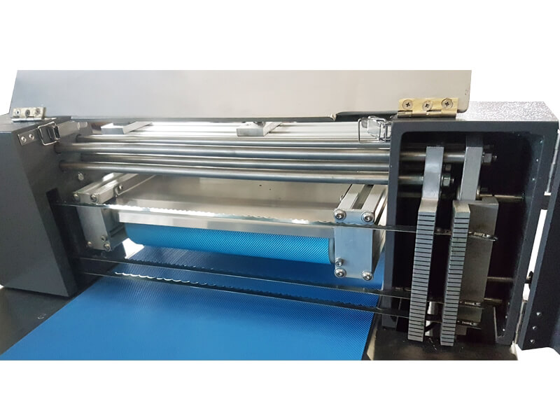 Horizontal Cake Slicing Machine